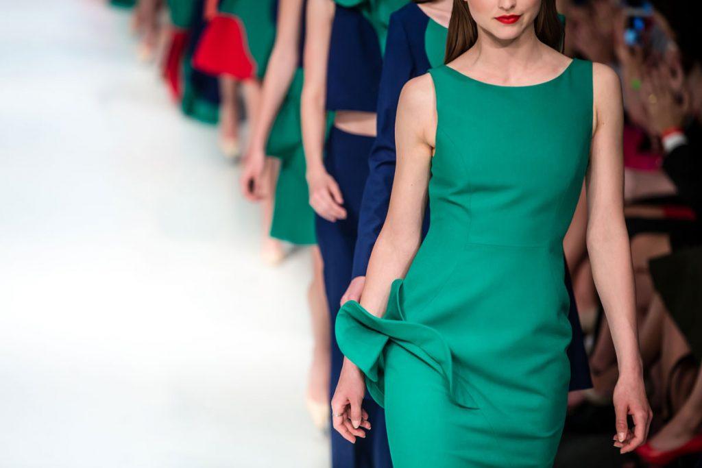 la contaminación ambiental de la industria de la moda